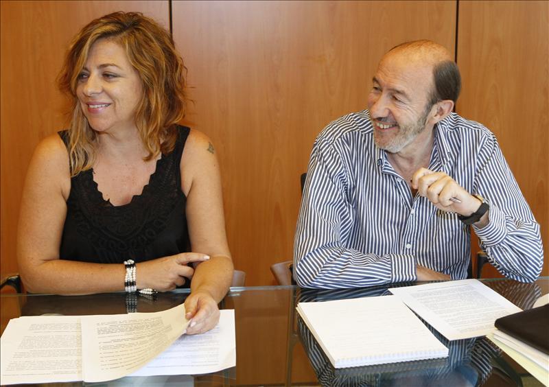 Valenciano asegura que Rubalcaba sale reforzado del proceso de reforma constitucional