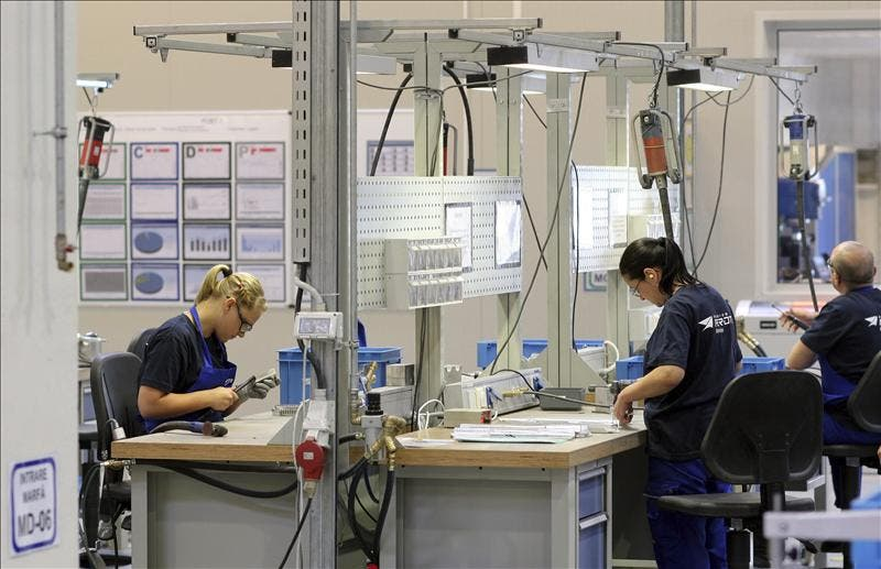 Leve alza del desempleo en Alemania, aunque con un importante retroceso anual