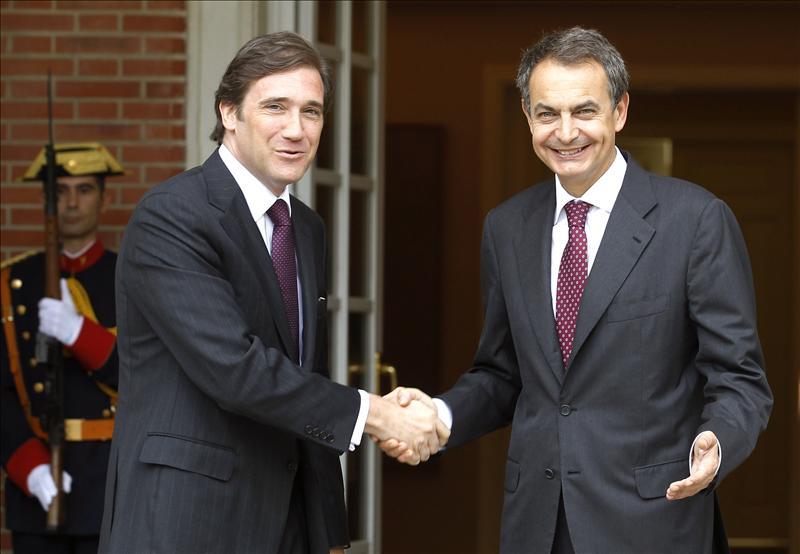 """Zapatero expresa su """"apoyo incondicional"""" al primer ministro portugués"""