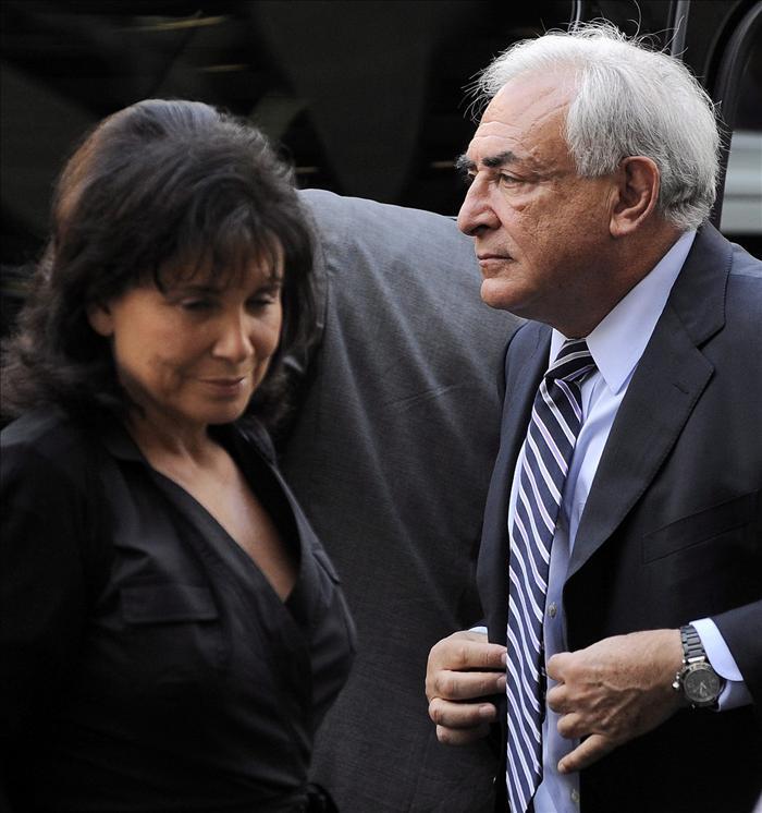 El 54 por ciento de los franceses comprenden a Anne Sinclair, esposa de Strauss-Kahn