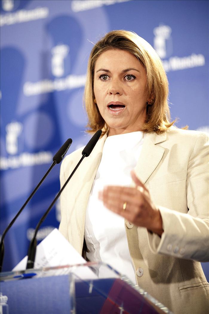 Cospedal plantea ahorrar 1.815 millones de euros sin recortar derechos sociales