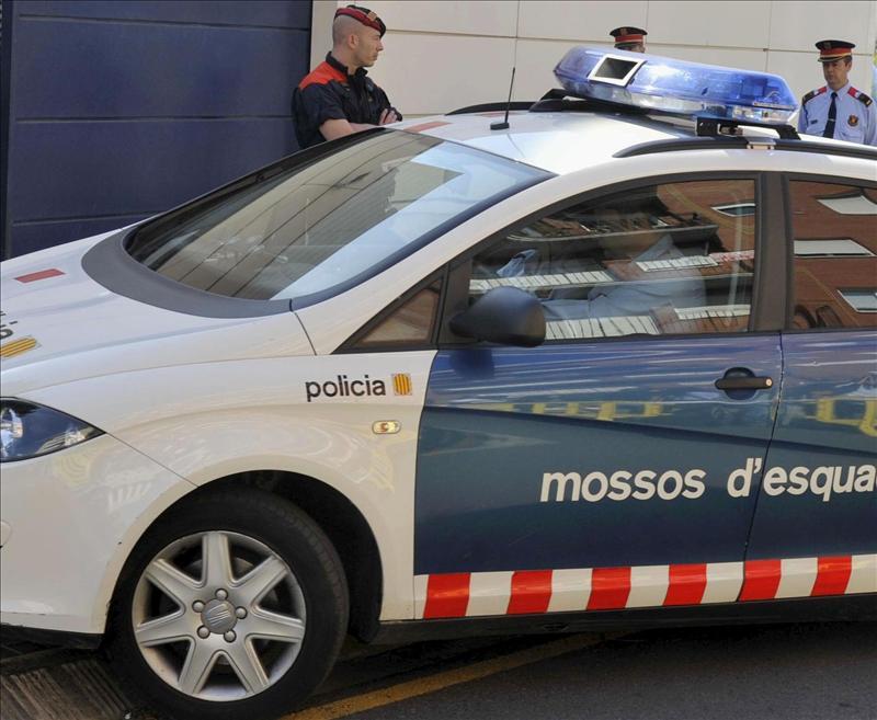 La Policía detiene en Lleida a un británico acusado de abusar de 18 menores