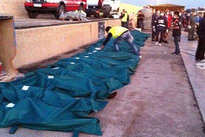 Los 25 inmigrantes murieron asfixiados en el barco a Lampedusa
