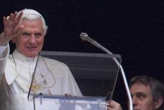 Benedicto XVI clama por la paz en Siria y Libia