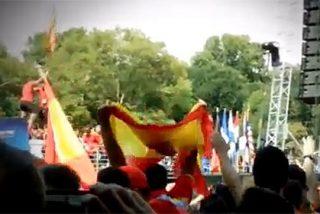 Bronca entre policías y bomberos españoles en Nueva York por una bandera independentista catalana