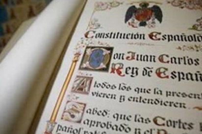 Lo que no lograron en ocho años lo hacen en un día: acuerdo total entre PP y PSOE para reformar la Constitución