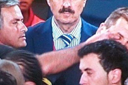 Video: Y Mourinho le hizo un piquete de ojos a 'Pito' Vilanova