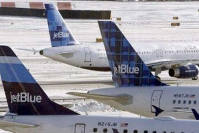 Detienen a un hombre ebrio que orinó sobre una niña de 11 años en un avión