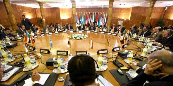La Liga Árabe admite de nuevo a Libia y reconoce oficialmente a los rebeldes