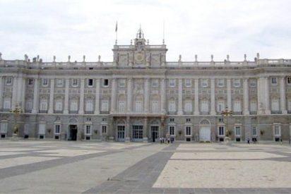 Zapatero derrocha 1,5 millones de euros en restaurar el Palacio Real y El Pardo