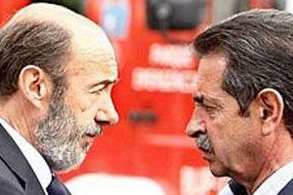 Rubalcaba 'lanza' a Revilla para tratar de quitarle la mayoría absoluta a Rajoy
