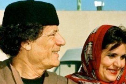 La esposa de Gadafi huye de Libia con tres de sus hijos y se refugia en Argelia