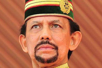 El sultán de Brunei, que ha sido el tipo más rico del mundo, vacía su garaje