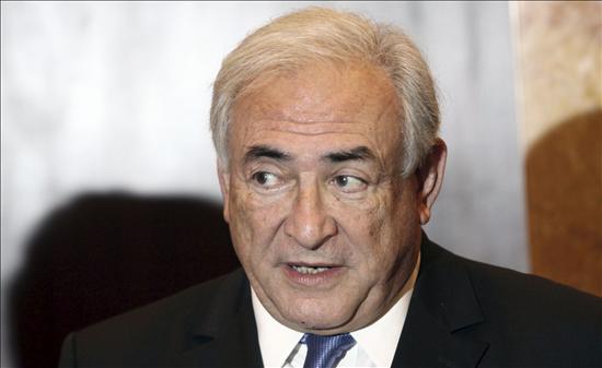 Strauss-Kahn vuelve a Francia, tras su calvario en EEUU