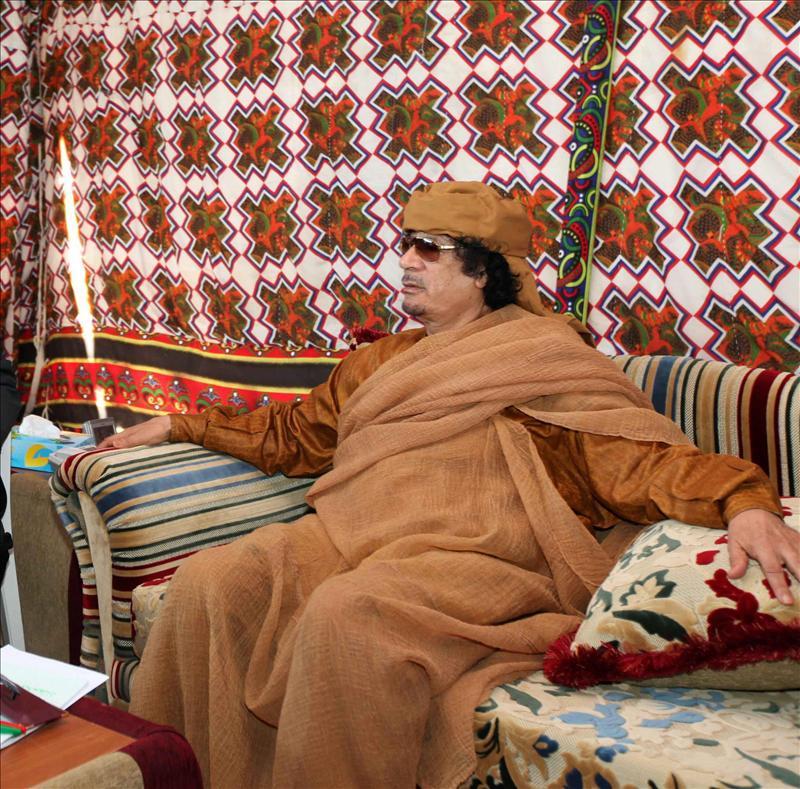 Argelia dice que Gadafi no está en su país y que nunca tomará partido por él
