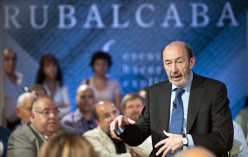 Rubalcaba advierte que el déficit continuado es dinamita para el Estado de bienestar