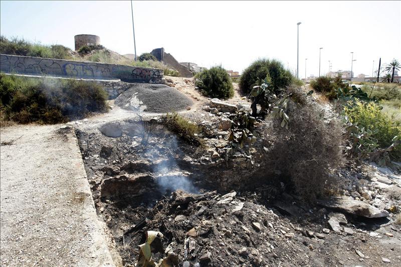 Muere un hombre tras quemarse a lo bonzo en Almería