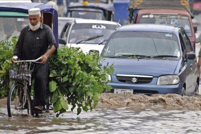 Al menos 2,4 millones de afectados a causa de las inundaciones en Pakistán