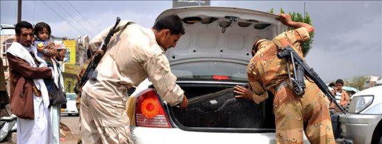 Mueren tres soldados yemeníes en un atentado con coche bomba en sur del país