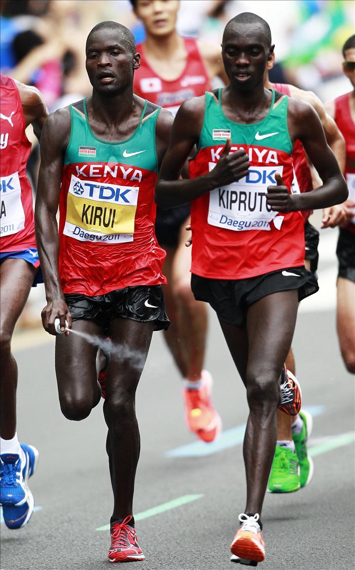 Kirui revalida título en maratón, Chema en el puesto 25