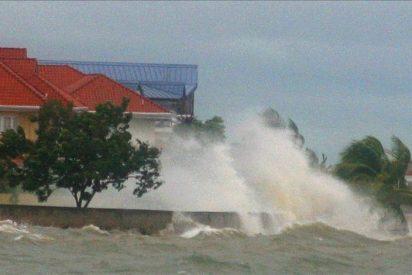 """""""Katia"""" puede convertirse en un huracán de categoría mayor el lunes"""