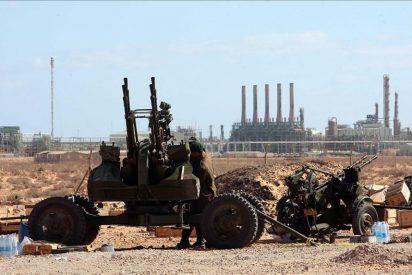 La producción de crudo libia se reanudará en un par de semanas, pese a los daños