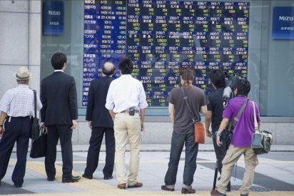El Nikkei cae 193,89 puntos, el 2,21 por ciento, hasta 8.590,57 puntos