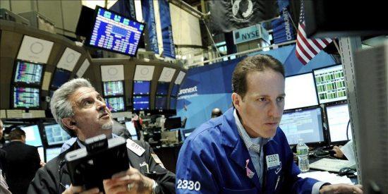 Wall Street cierra con un descenso del 0,9 por ciento en el Dow Jones de Industriales