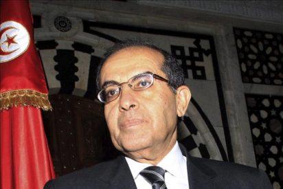 El primer ministro interino advierte a los libios que la batalla no ha acabado
