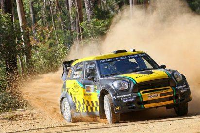 Hirvonen es líder del rally de Australia tras los accidentes de Loeb y Ogier