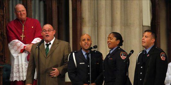 Homenaje en la catedral de San Patricio a los bomberos que murieron el 11-S