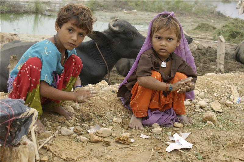 La ONU pide ayuda inmediata para asistir a 2,5 millones de niños en Pakistán