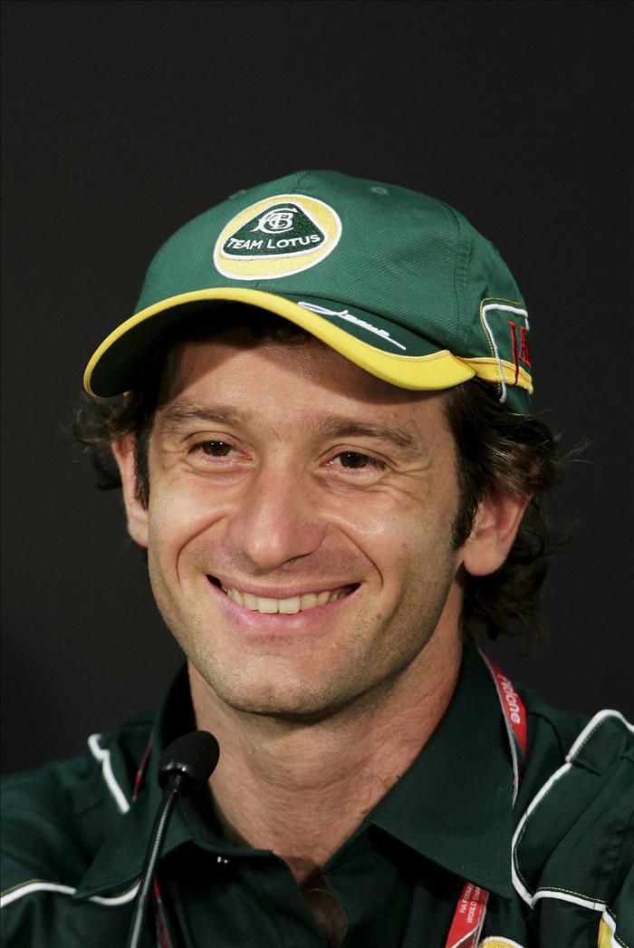 Jarno Trulli renueva con Lotus
