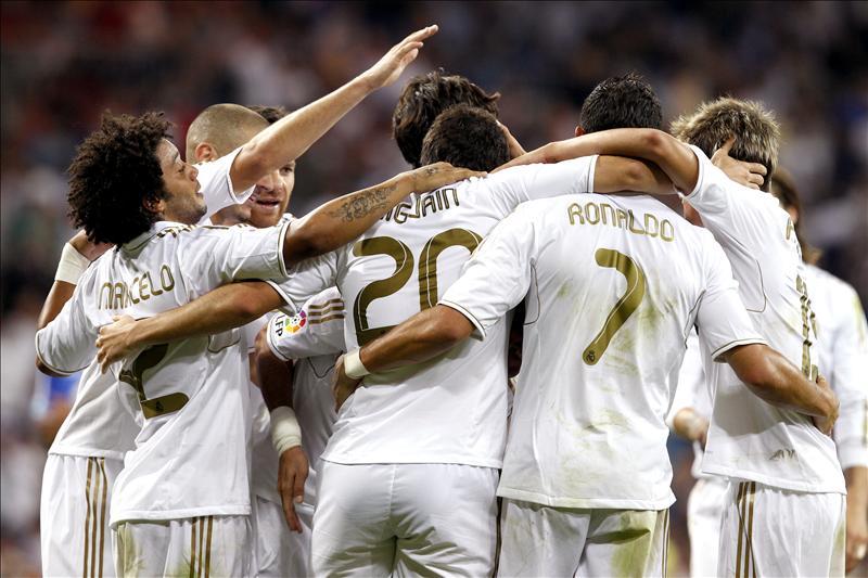 El Madrid aprovechó el pinchazo del Barcelona para cobrar ventaja
