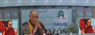 """El Dalai Lama pide a la comunidad internacional """"desmilitarizar el planeta"""""""