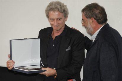 Pocas palabras y mucha emoción de Antonio Gasset por el Premio Alfonso Sánchez