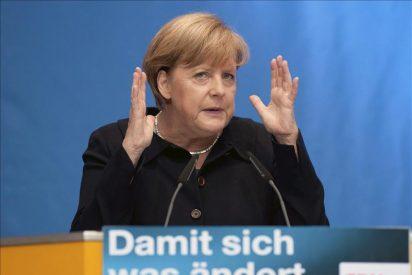Merkel niega la insolvencia de Grecia y llama al orden a la coalición