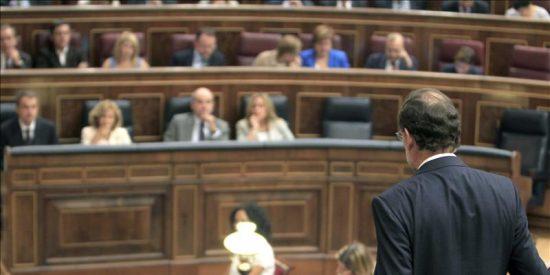 Zapatero dice que la economía se recupera y Rajoy le acusa de mentir de nuevo