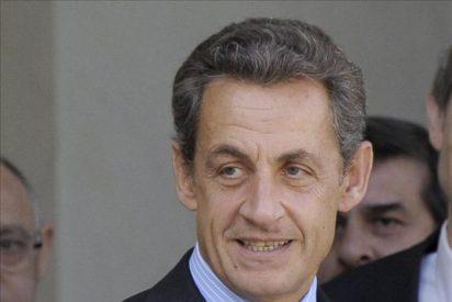 La rebaja de la nota de dos bancos franceses añade presión a la zona euro