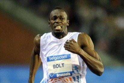 Bolt bate la mejor marca del año en los 100 y Blake hace lo propio en los 200