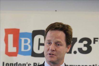 """El partido de Clegg busca superar el coste político de gobernar con los """"tories"""""""