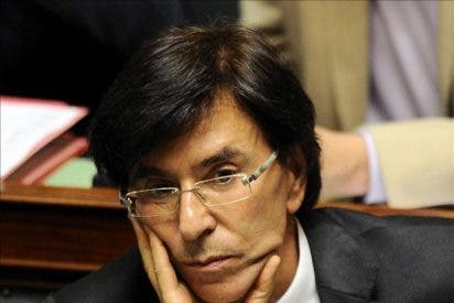 Los flamencos del N-VA ponen una diana con la cara del formador del Gobierno