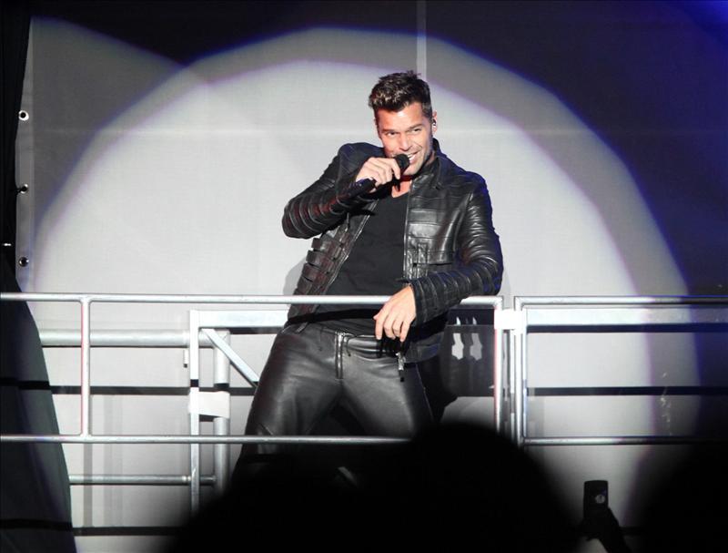 Ricky Martin suspende concierto en el sur de Argentina por una contractura