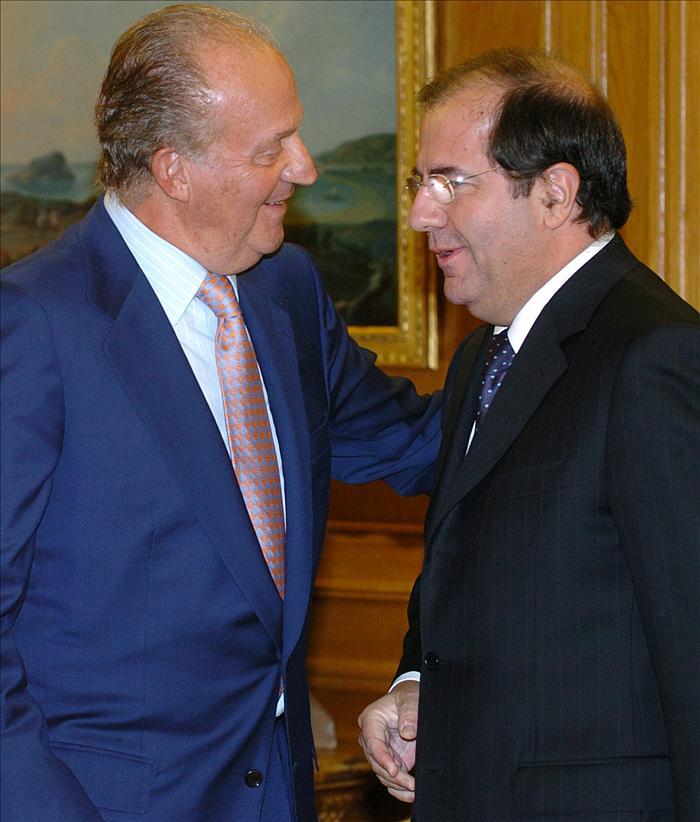 El rey se reúne con los presidentes de Cantabria y Castilla y León