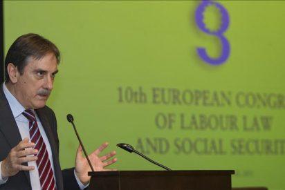 Gómez advierte de que la legislación laboral no se puede cambiar todos los años