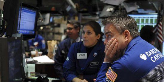 Wall Street cae el 3,51 por ciento y pierde los 11.000 puntos