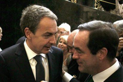 Emotiva despedida de Bono, que da las gracias a Zapatero y a los portavoces