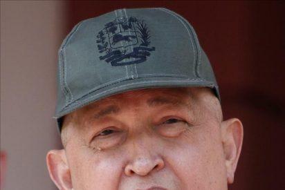 Chávez regresa a Caracas y dice que terminó el tratamiento de quimioterapia
