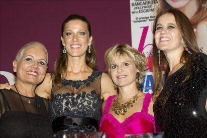 """Diseñadores y cantantes son reconocidos con el premio """"Iconos"""" de Vanidades"""