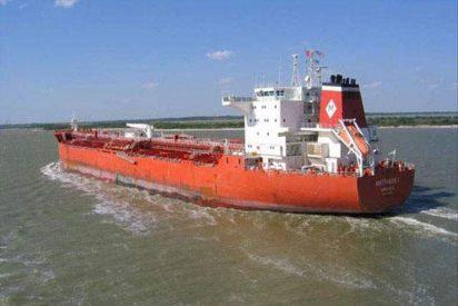 """Liberado el petrolero """"Mattheos I"""", con cinco tripulantes españoles"""